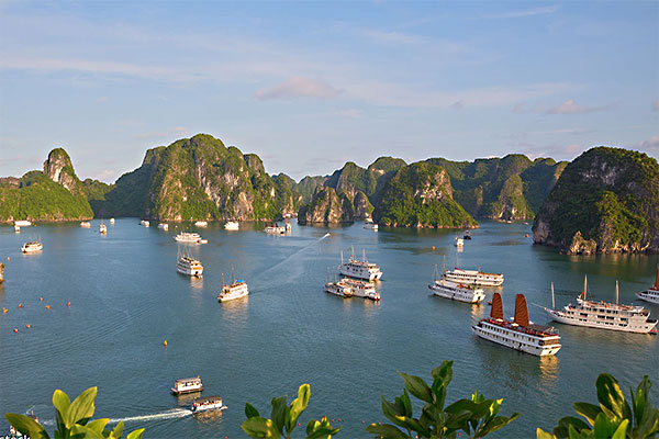 Vietnam set departure tour 16 days